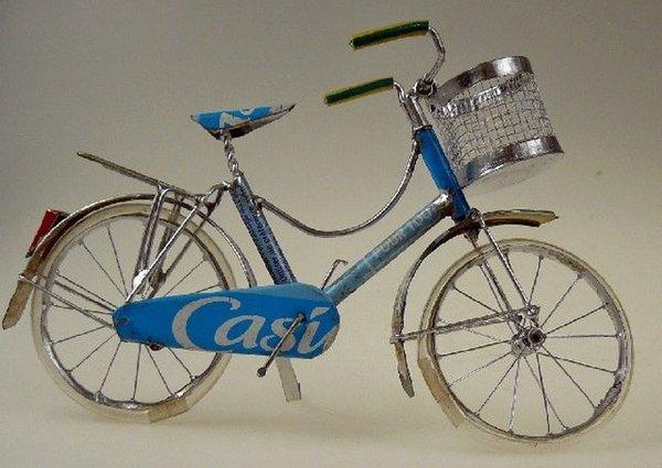 Blech-Fahrrad, groß